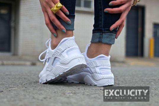 Nike Air Huarache Premium Women's Shoe